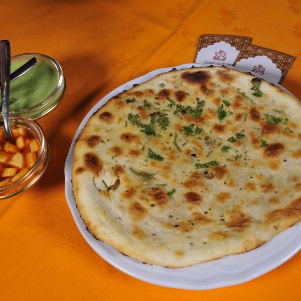 Aloo Naan (Pane indiano ripieno con patate e spezie)
