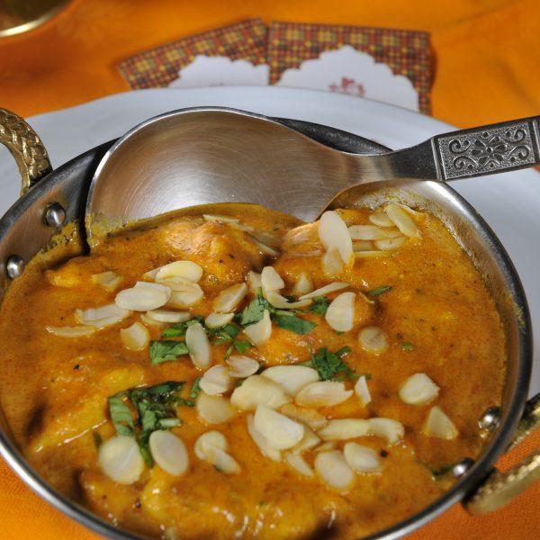 Chicken Korma (Pollo cotto con salsa allo yoghurt e mandorle)