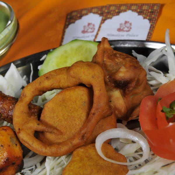 Mix Himalaya Antipasto (Samosa, Paneer tikka, Seekh kebab, Pakora)