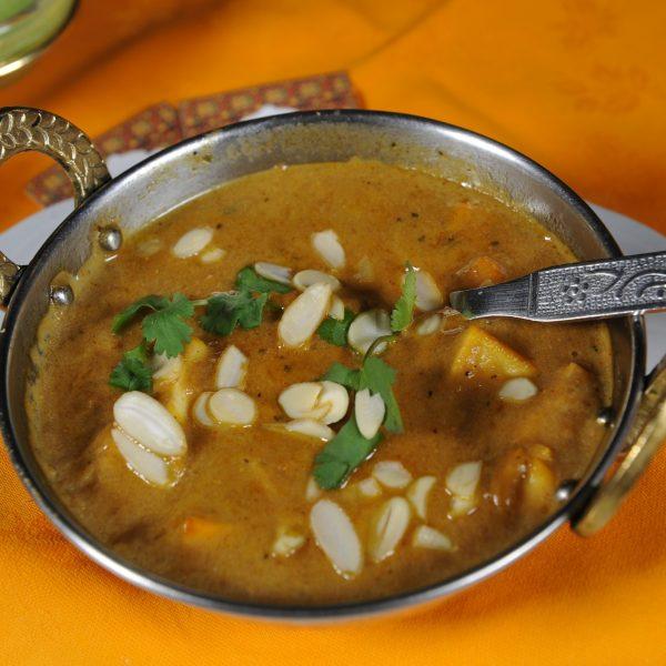 Shahi Paneer (Formaggio cotto in Tandoor servito con salsa alle spezie)