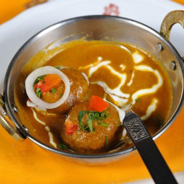 Vegetable Kofta (Polpette di verdure con salsa alle spezie)
